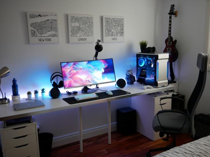 Show_Your_PC_Desk_UltlaWideMonitor52_25.jpg