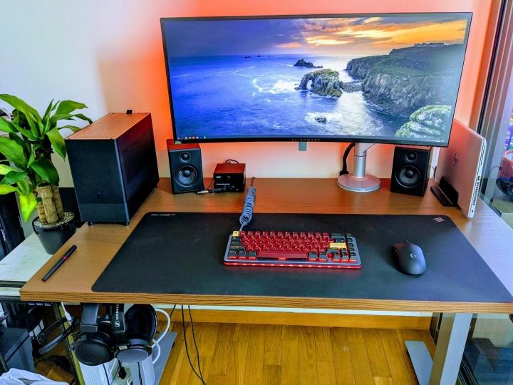 Show_Your_PC_Desk_UltlaWideMonitor52_30.jpg