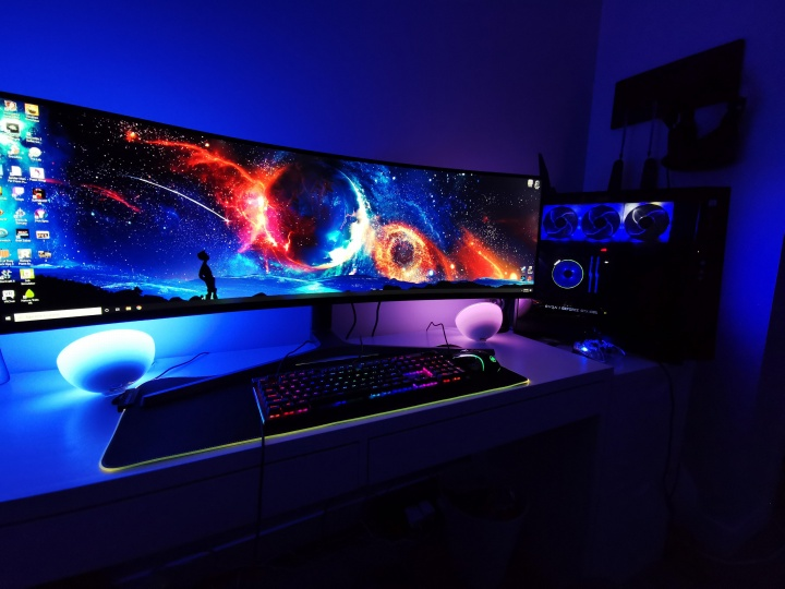 Show_Your_PC_Desk_UltlaWideMonitor52_46.jpg