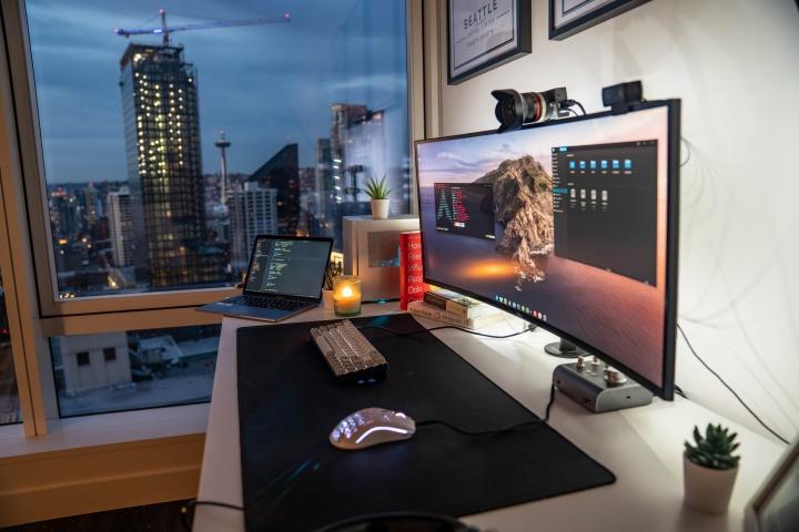 Show_Your_PC_Desk_UltlaWideMonitor52_60.jpg