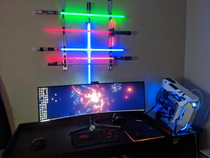 Show_Your_PC_Desk_UltlaWideMonitor52_70.jpg