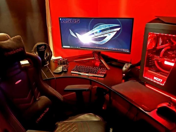 Show_Your_PC_Desk_UltlaWideMonitor52_71.jpg
