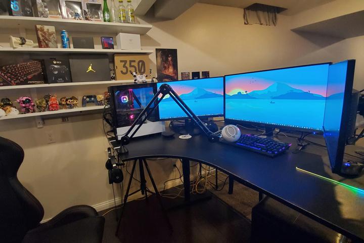 Show_Your_PC_Desk_UltlaWideMonitor52_85.jpg