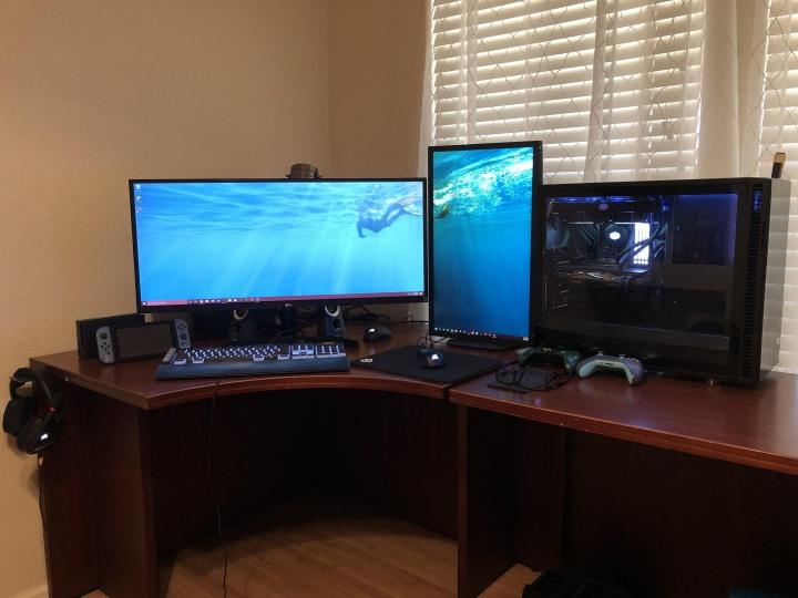 Show_Your_PC_Desk_UltlaWideMonitor52_89.jpg