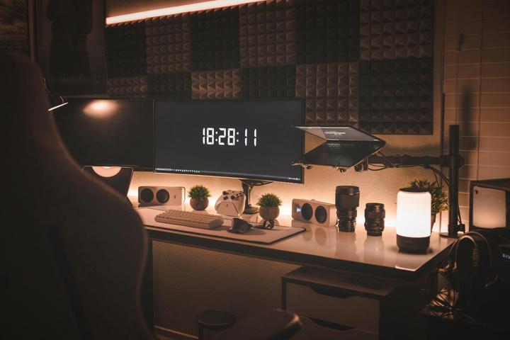 Show_Your_PC_Desk_UltlaWideMonitor52_99.jpg
