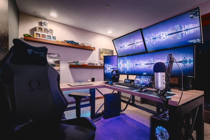 Show_Your_PC_Desk_UltlaWideMonitor_Part55_01.jpg