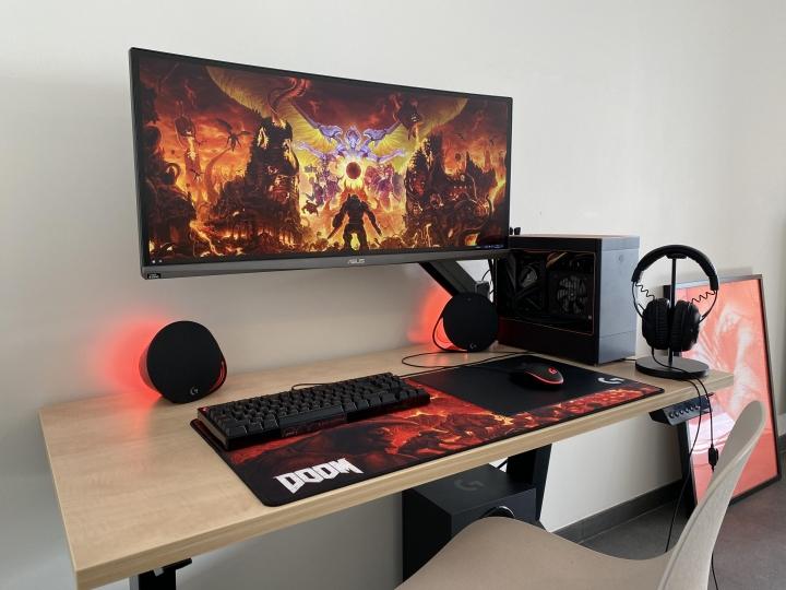 Show_Your_PC_Desk_UltlaWideMonitor_Part55_24.jpg