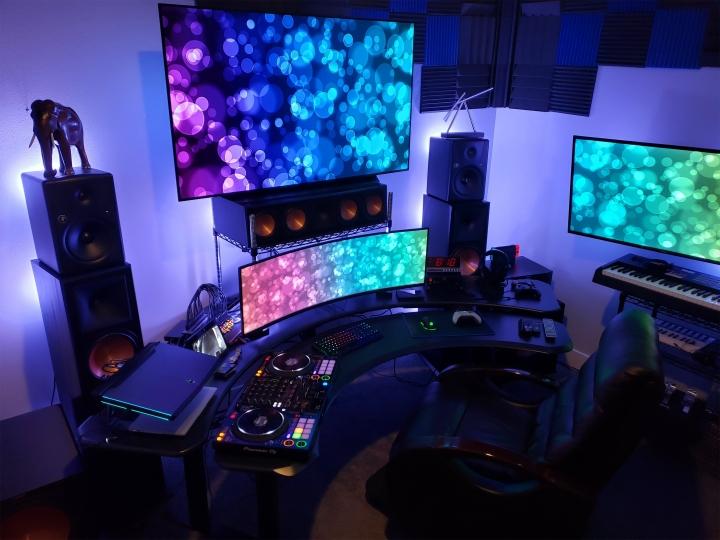 Show_Your_PC_Desk_UltlaWideMonitor_Part55_66.jpg