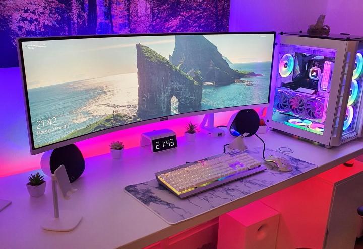Show_Your_PC_Desk_UltlaWideMonitor_Part55_91.jpg