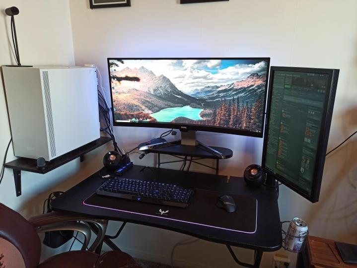 Show_Your_PC_Desk_UltlaWideMonitor_Part56_04.jpg