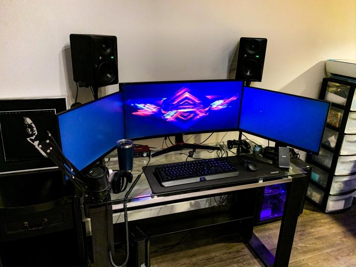 Show_Your_PC_Desk_UltlaWideMonitor_Part56_09.jpg