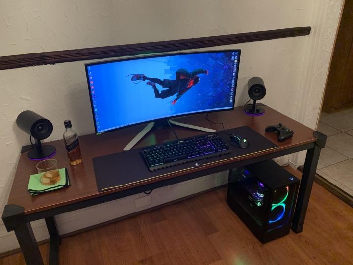 Show_Your_PC_Desk_UltlaWideMonitor_Part56_23.jpg