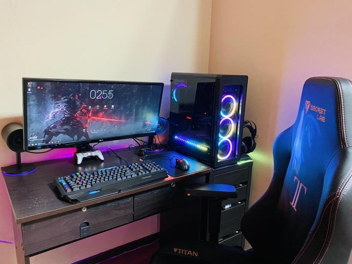 Show_Your_PC_Desk_UltlaWideMonitor_Part56_44.jpg