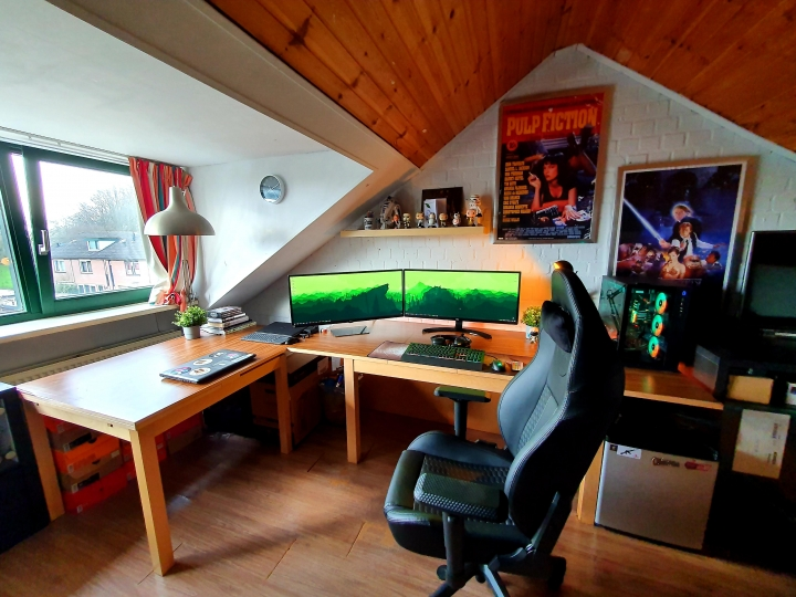 Show_Your_PC_Desk_UltlaWideMonitor_Part56_51.jpg