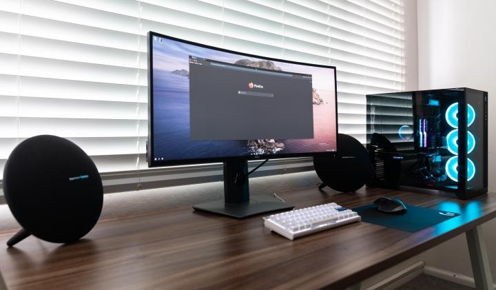 Show_Your_PC_Desk_UltlaWideMonitor_Part56_57.jpg