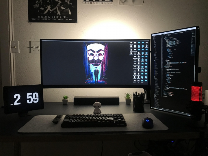 Show_Your_PC_Desk_UltlaWideMonitor_Part57_41.jpg