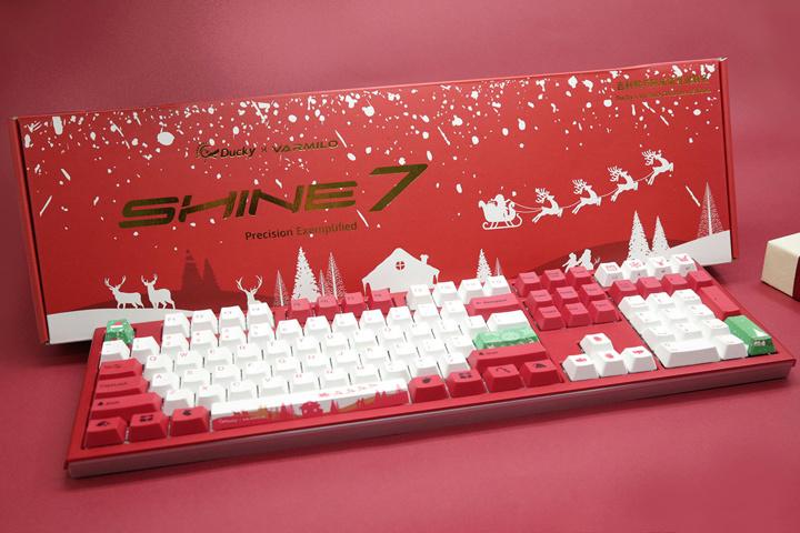 Varmilo_Ducky_Shine7_Christmas_01.jpg