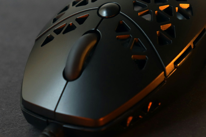 i-Rocks_Honeycomb_Gaming_Mouse_03.jpg