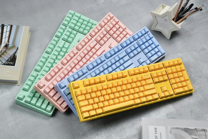 ikbc_W210_Color_01.jpg