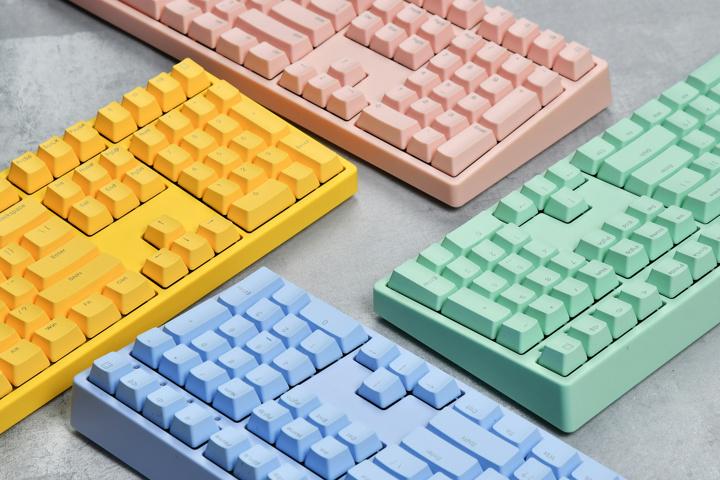 ikbc_W210_Color_04.jpg