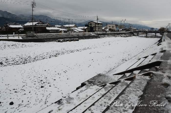 渦井川の雪景色 愛媛県西条市川北