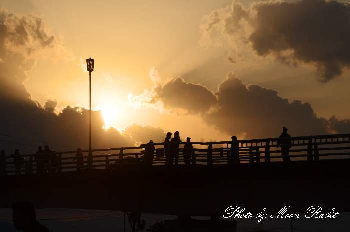 伊曽の橋の夕景 加茂川 愛媛県西条市