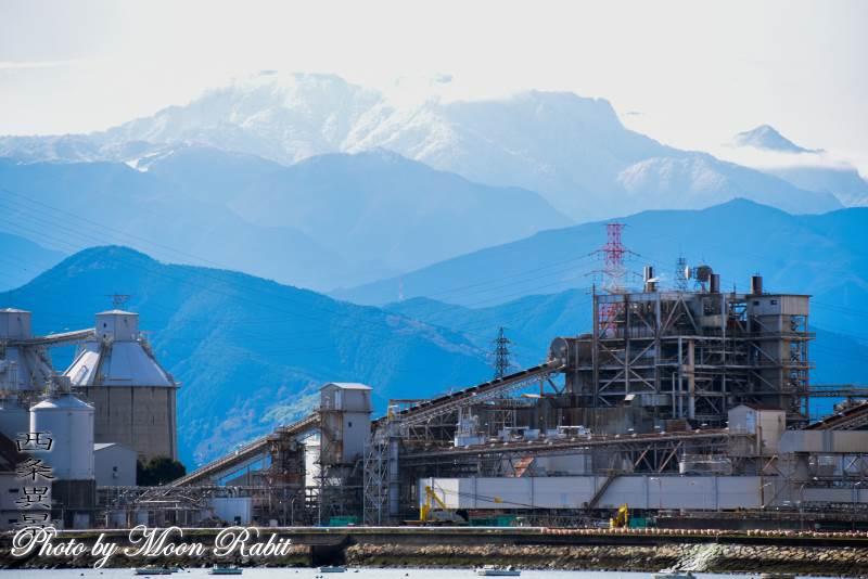石鎚山と四国電力西条発電所 愛媛県西条市ひうち