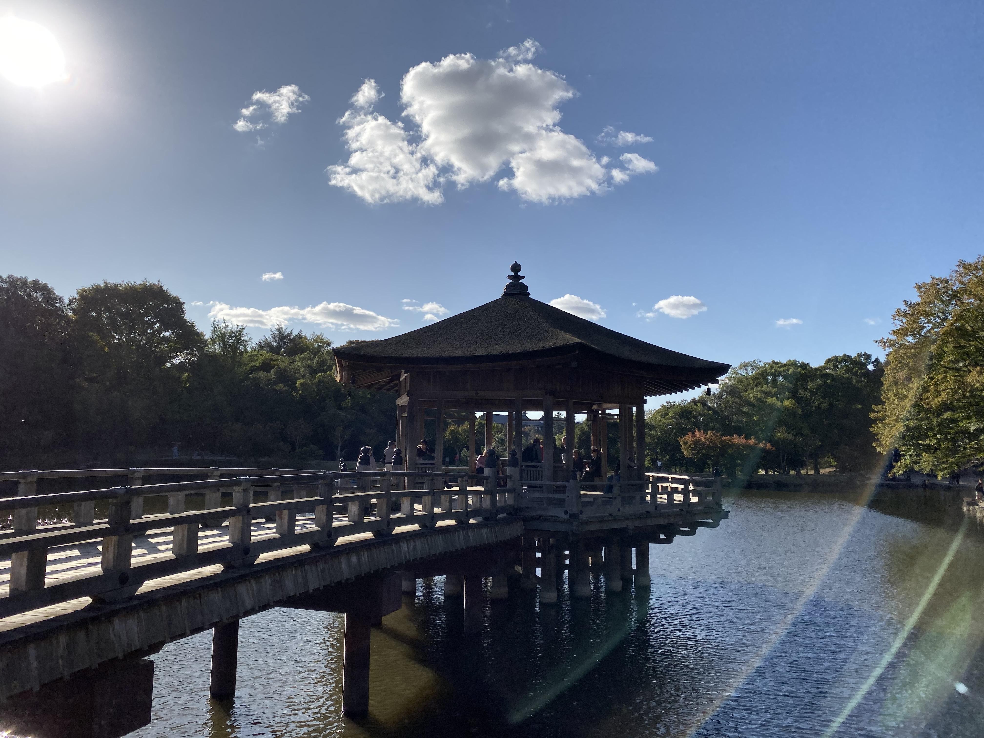 奈良鷺池浮見堂