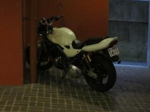 ホテルのバイク